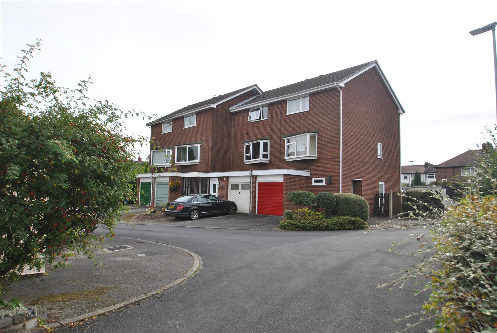 3 Bedrooms Town House for sale in Waterbridge Court, APPLETON, Warrington